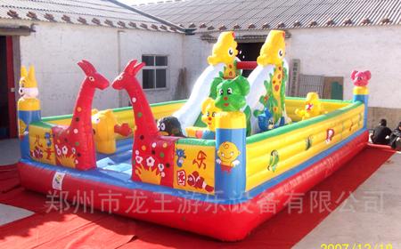 河南郑州充气儿童乐园城堡厂家