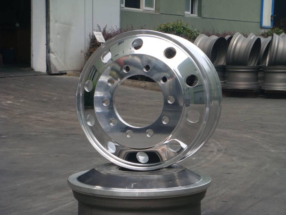锻造铝合金钢圈 锻造轮毂图片
