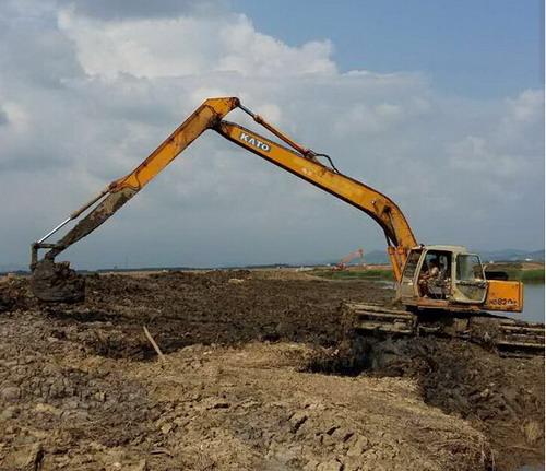 桂林荔蒲县水上挖掘机出租厂家