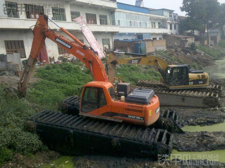 海北祁连县特种挖掘机出租厂家