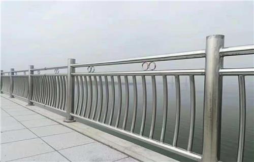 铁力桥梁防撞护栏可按需定制