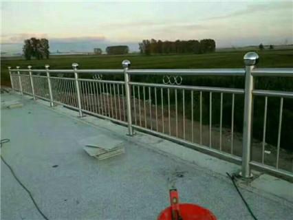 孝感不锈钢桥梁护栏电话