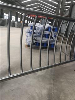 金昌不銹鋼隔離欄桿每米價格