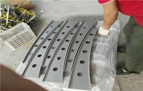 寧德鍍鋅噴塑鋼板立柱專業定制加工