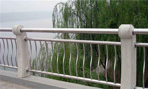 秦皇岛桥梁护栏立柱厂家
