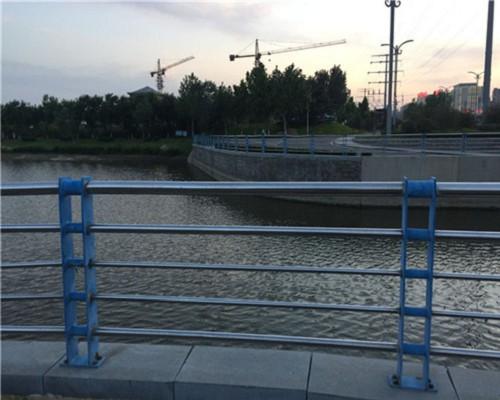 呼伦贝尔桥梁不锈钢护栏供应厂家