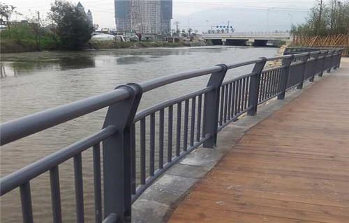 平頂山不銹鋼復合管橋梁護欄規格表