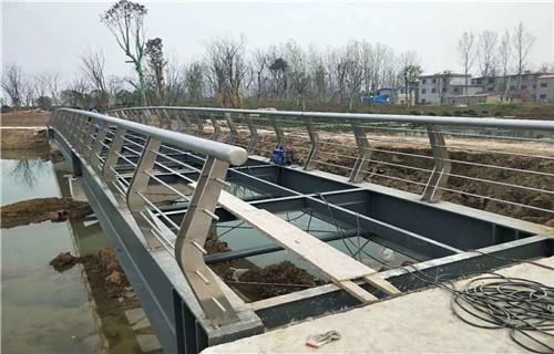 萍鄉不銹鋼復合管橋梁護欄哪個廠家好