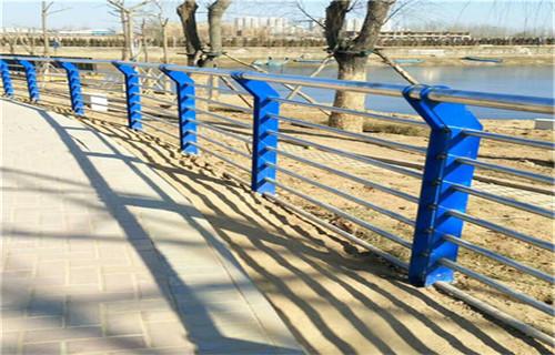 巢湖不銹鋼橋梁防撞護欄規格齊全