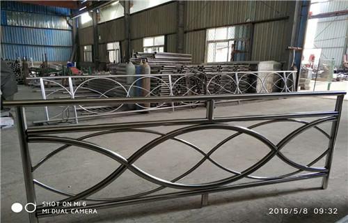 唐山不銹鋼復合管欄桿價格低