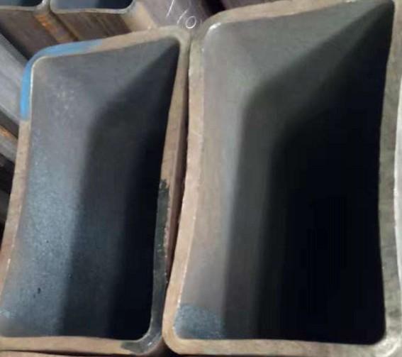 生產廠家直縫熱鍍鋅矩形管行情價格