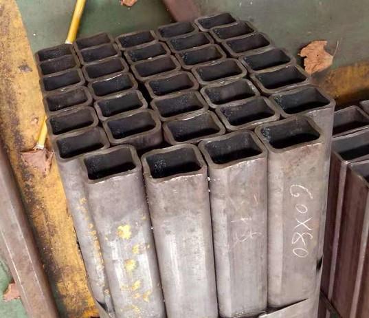 生產廠家直縫熱鍍鋅矩形管今日價格