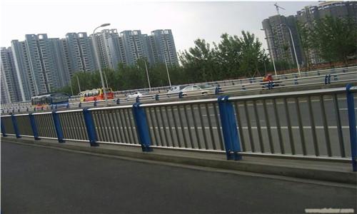 阜新Q235材質鋼板立柱切割廠家批發價格