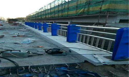 赤峰人行道隔離欄桿大量現貨庫存