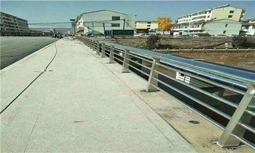 南通路基护栏多少米一节